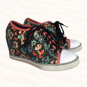 Floral Wedge Lace Up Sneaker